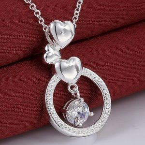 Pretty Girl Swag Jewelry Jewelry - Beautiful Crystal Heart Circle Necklace